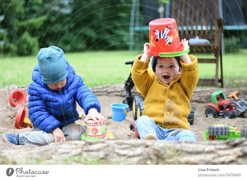 hey jeih! Kinder im Sandkasten Freizeit & Hobby Spielen Eimer Ferien & Urlaub & Reisen Tourismus Kindererziehung Kindergarten Kleinkind 2 Mensch 1-3 Jahre Jacke