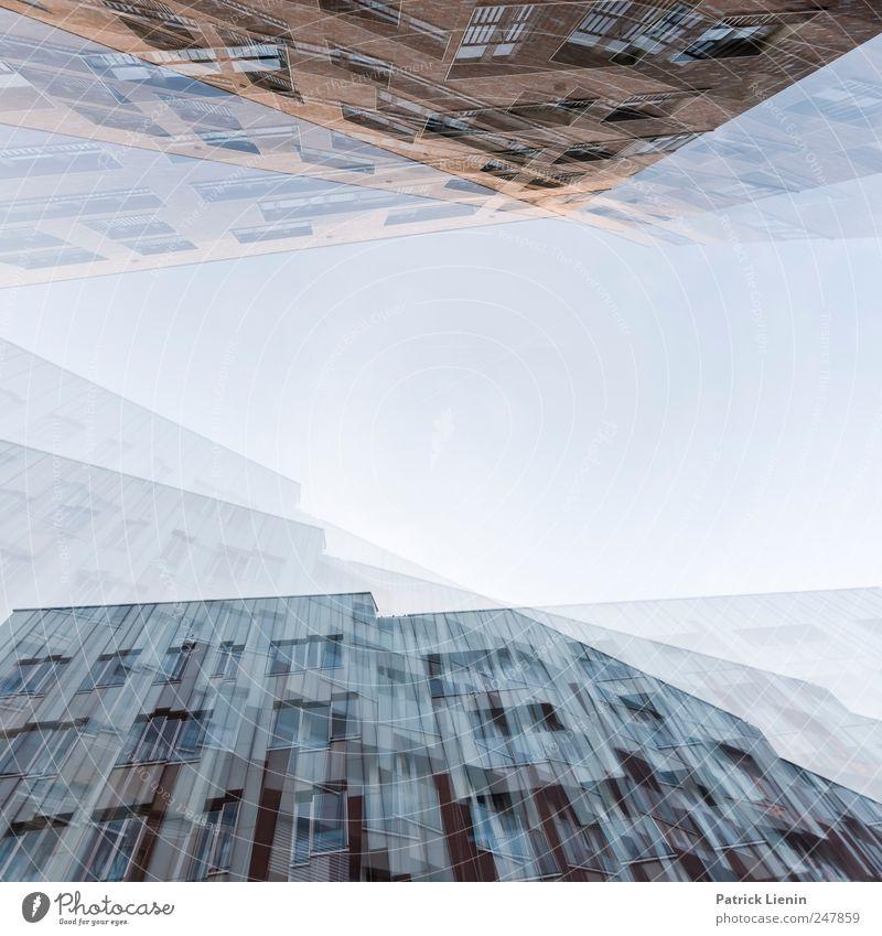Rauschzustand Himmel Stadt Wolken Ferne Fenster Wand Freiheit Architektur Mauer Gebäude Luft Wetter Horizont Freizeit & Hobby Ausflug