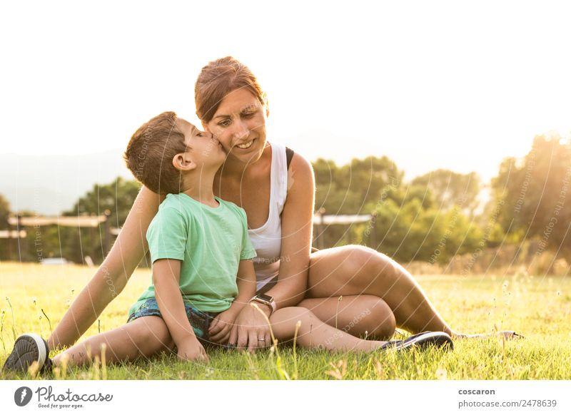 Frau Kind Mensch Ferien & Urlaub & Reisen Sommer schön Erwachsene Lifestyle Liebe Gefühle feminin lachen Glück Junge Garten Park