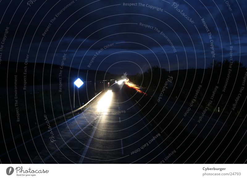 Aral BAB Seesen bei Nacht 1 Autobahn Langzeitbelichtung blau Verkehr