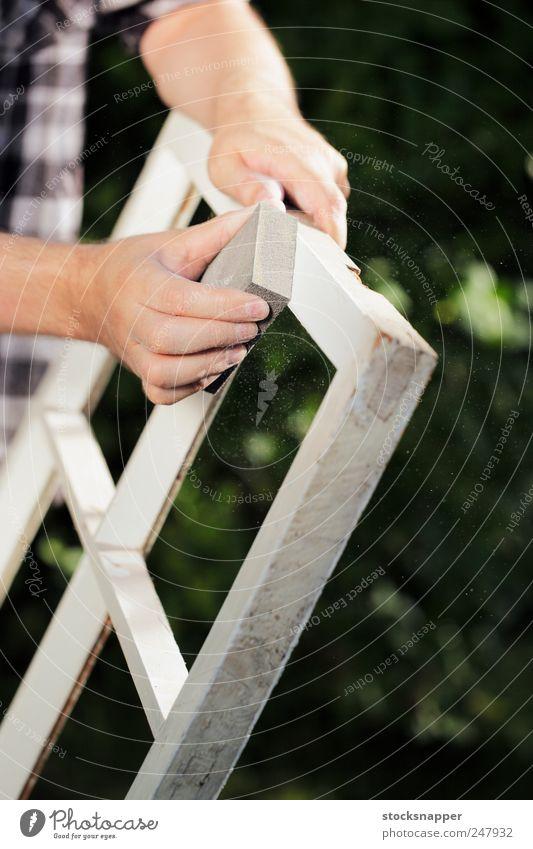 Hand alt Arbeit & Erwerbstätigkeit Fenster Bewegung Werkzeug Rahmen Staub Block Reparatur Zarge staubig Schwamm Staubwischen Abnutzung
