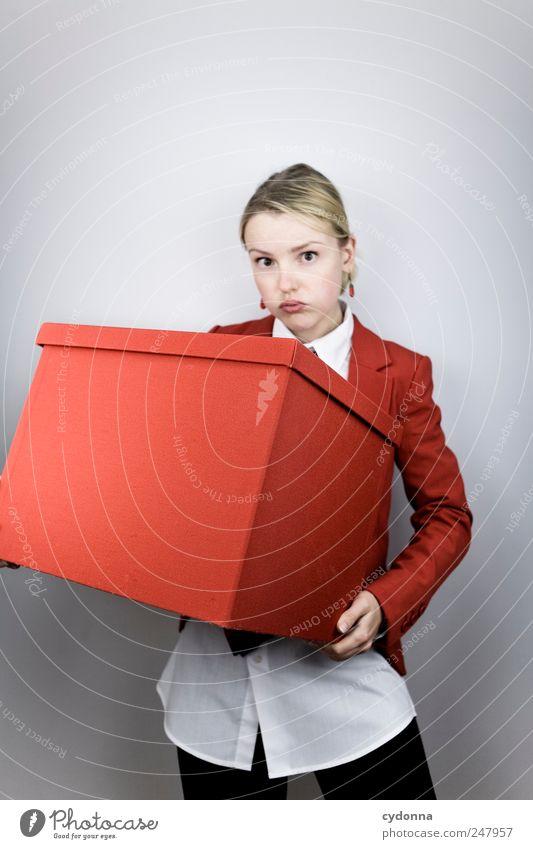 Man wächst mit seinen Aufgaben Mensch Jugendliche rot Erwachsene Stil Business Arbeit & Erwerbstätigkeit planen Lifestyle Geldinstitut Güterverkehr & Logistik