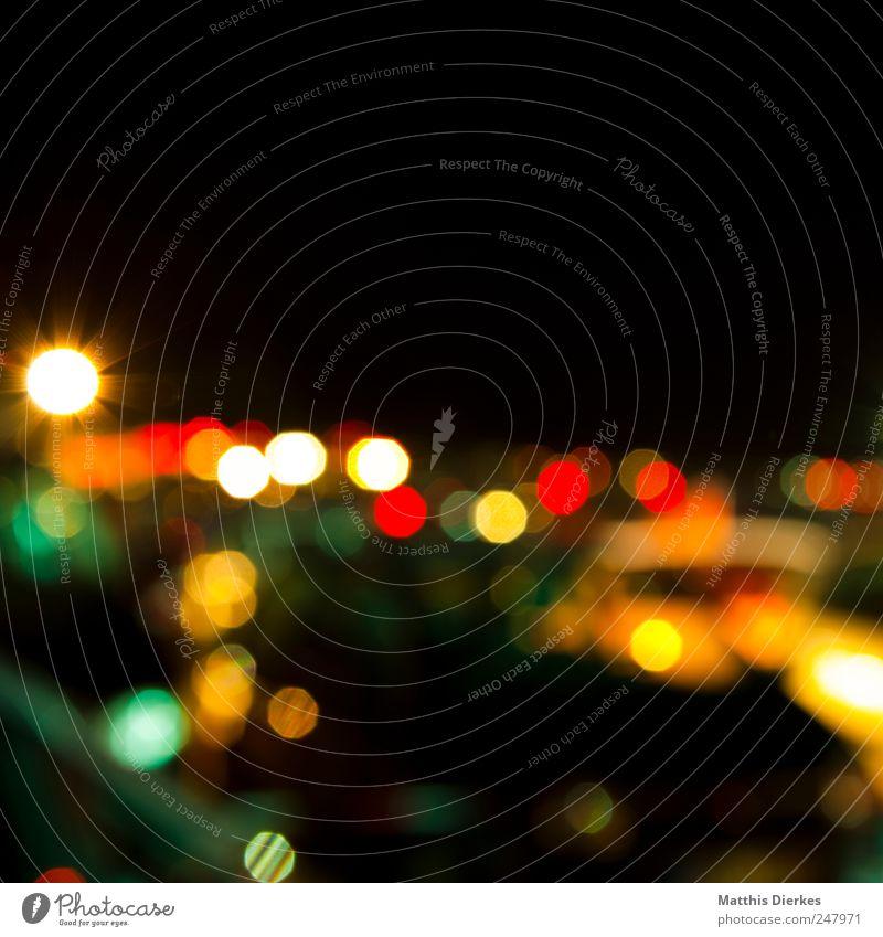 Dots Zeichen ästhetisch Farbstoff Lichtpunkt Unschärfe Schwache Tiefenschärfe Zeit verschwimmen Farbenspiel Lichtspiel Lichtbrechung Lichtstrahl Farbfoto