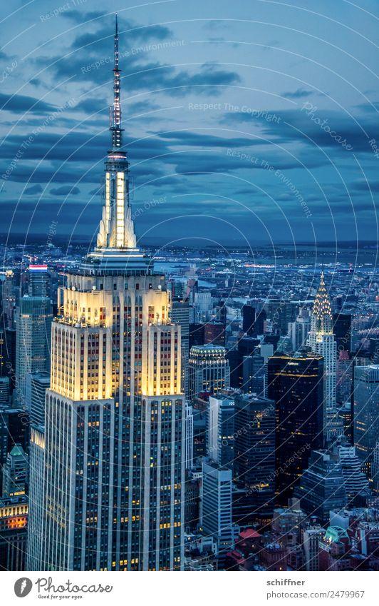 über allem blau Stadt Haus Architektur Gebäude außergewöhnlich gold Hochhaus USA Sehenswürdigkeit Skyline Wahrzeichen Bauwerk Stadtzentrum Bankgebäude Reichtum