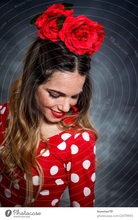 Porträt einer jungen Flamencotänzerin elegant Glück schön Tanzen Mensch feminin Frau Erwachsene 1 18-30 Jahre Jugendliche Kunst Künstler Tänzer Kultur Blume