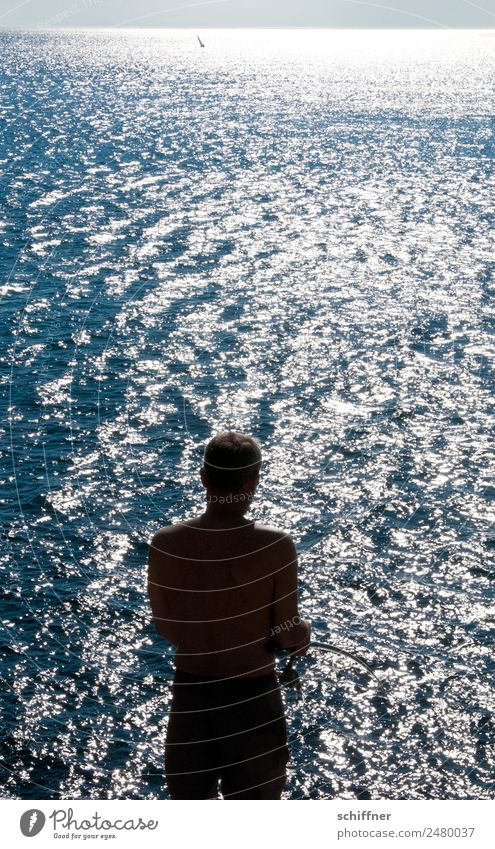 Lebensart | Sonnenfischer Mensch Ferien & Urlaub & Reisen Mann Meer Ferne Erwachsene Küste Tourismus Freiheit Freizeit & Hobby maskulin Wellen Rücken stehen
