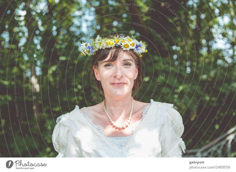 Glück | UT DRESDEN Frau Mensch schön Freude Erwachsene Leben Liebe feminin Feste & Feiern Fröhlichkeit Lebensfreude Romantik Warmherzigkeit Hochzeit
