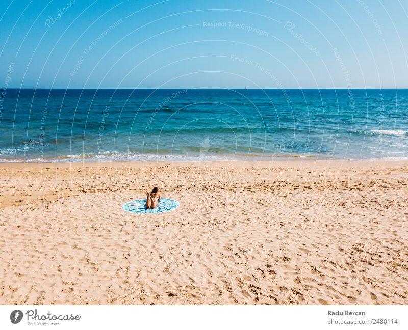 Frau Mensch Natur Ferien & Urlaub & Reisen Jugendliche Sommer blau schön Wasser Sonne Landschaft Meer Erholung Strand 18-30 Jahre Erwachsene