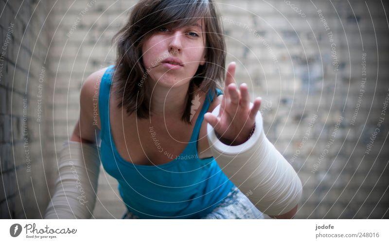 seaching for... Mensch feminin Junge Frau Jugendliche Hand 1 18-30 Jahre Erwachsene außergewöhnlich einzigartig Neugier Interesse Hoffnung Glaube sich melden