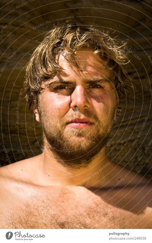 Gestrandet Mensch Natur Jugendliche schön Sommer Gesicht Sand Erwachsene Kraft blond nass gold maskulin Sehnsucht Unendlichkeit heiß