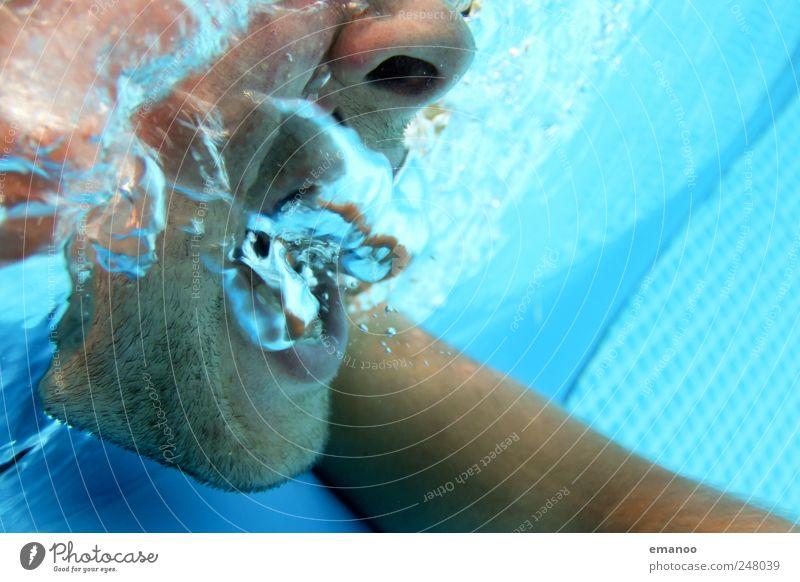 Poolschreier Lifestyle Wassersport Schwimmen & Baden tauchen Mensch maskulin Gesicht Nase Mund 1 Luft Fressen sprechen schreien kalt nass blau Gefühle Angst