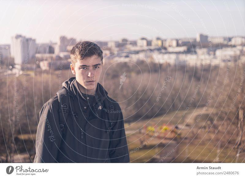 Porträt im Herbst Mensch Natur Jugendliche Stadt schön Junger Mann Landschaft Haus Winter Lifestyle Umwelt Berlin Ausflug wandern Park