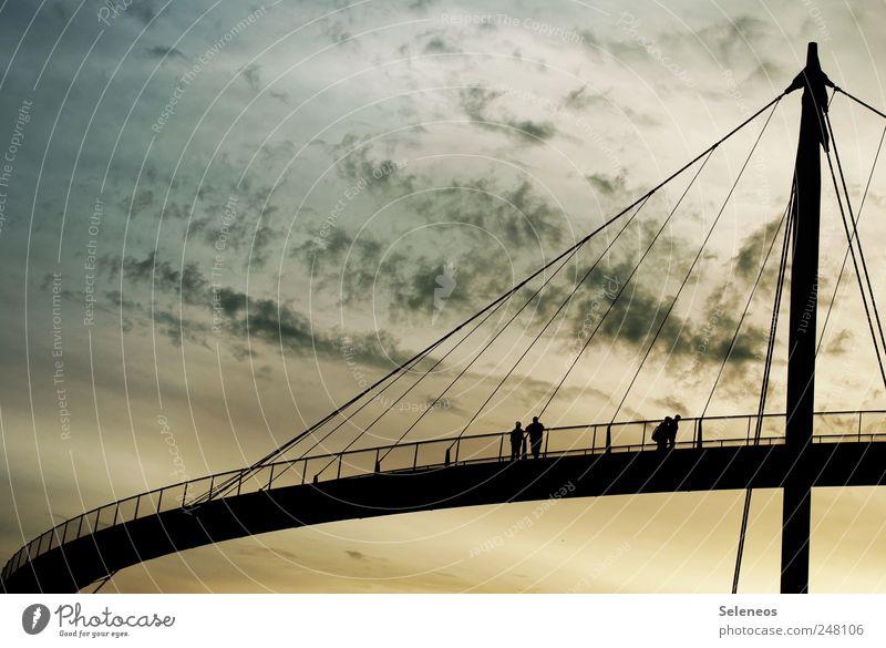 manchmal muss man Brücken schlagen Mensch schön Sommer Wolken Ferne Umwelt Architektur Zusammensein Horizont Ausflug hoch frei Tourismus modern groß