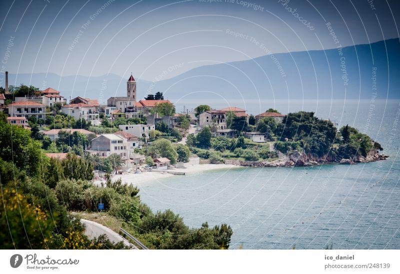 Gradac, an der Küste von Kroatien. Wasser blau grün Sommer Ferien & Urlaub & Reisen Meer Haus Freizeit & Hobby Ausflug Tourismus Kirche Europa Reisefotografie