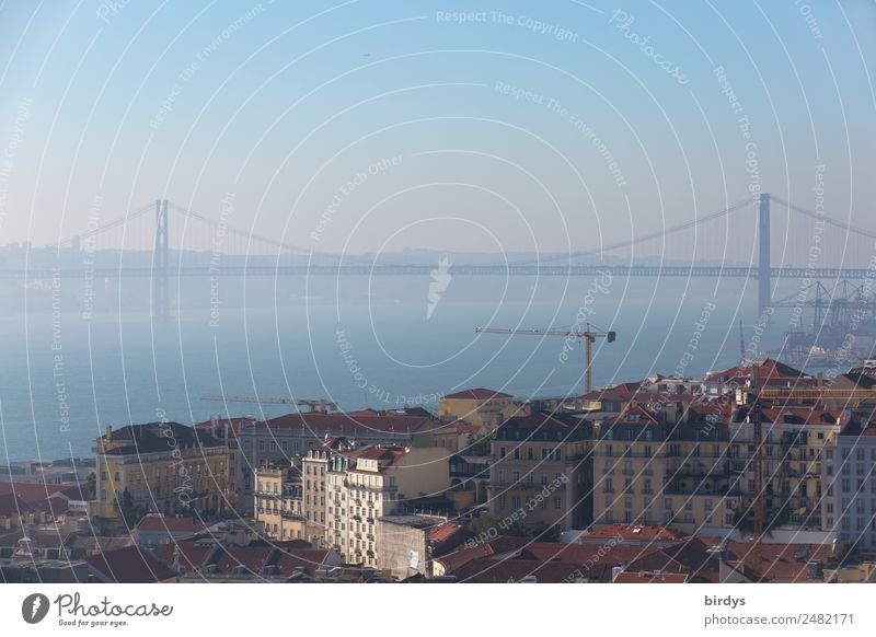 Lissabon, Ponte 25 de Abril Ferien & Urlaub & Reisen Städtereise Baustelle Wasser Wolkenloser Himmel Horizont Sommer Schönes Wetter Nebel Fluss Tejo Tejo-Brücke