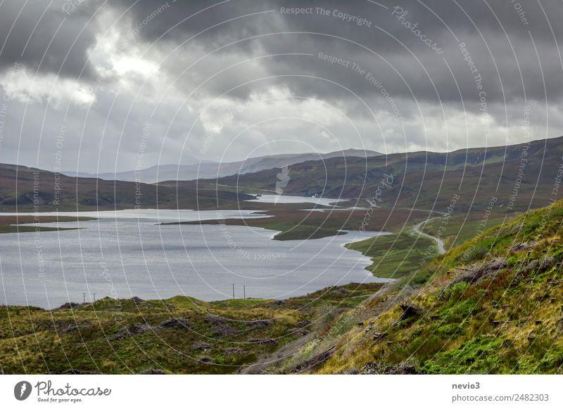 Schottland Wolken Gewitterwolken Horizont Herbst Hügel Berge u. Gebirge Seeufer Insel Moor Sumpf schön schlechtes Wetter Regenwolken Wolkenhimmel Wolkendecke