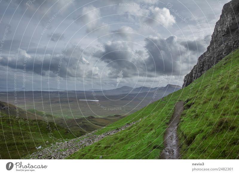 Wanderweg Natur Landschaft Wolken Gewitterwolken Gras Wiese entdecken Erholung Fitness Sport wandern grün Wanderlust Bergsteigen Felswand Berge u. Gebirge