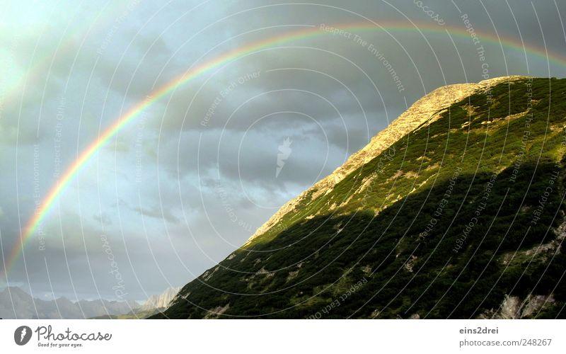 Regenbogen Erholung ruhig Umwelt Natur Landschaft Pflanze Urelemente Himmel Wolken Wetter Alpen Berge u. Gebirge Gipfel positiv schön Gefühle Stimmung Romantik