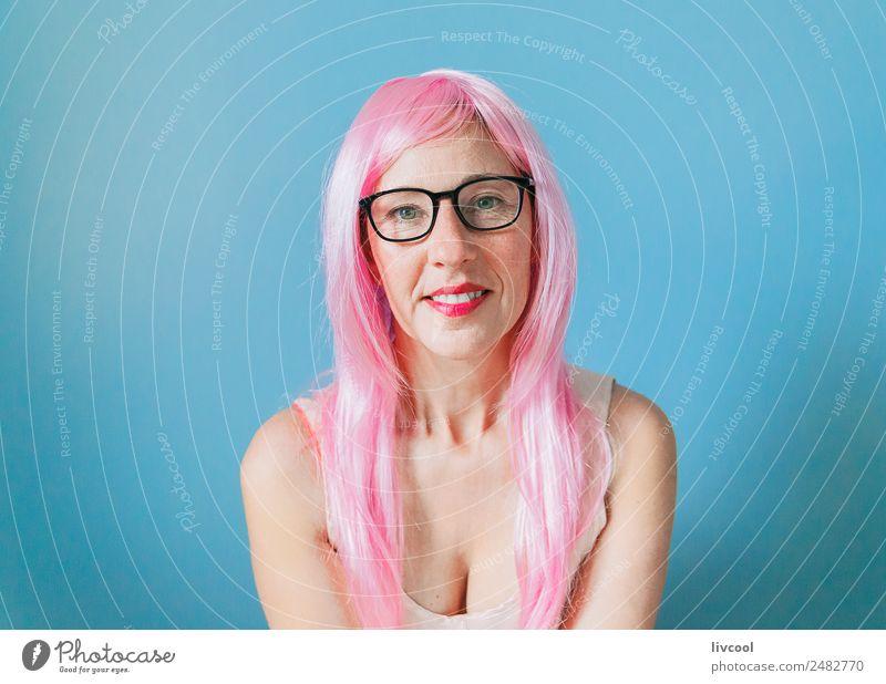 Frau Mensch blau Erotik ruhig Freude Erwachsene Lifestyle Leben lustig feminin Glück Kunst Mode Kopf Denken
