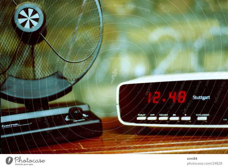 b1 Technik & Technologie Fernsehen Uhr analog Antenne Digitalfotografie Wecker Elektrisches Gerät