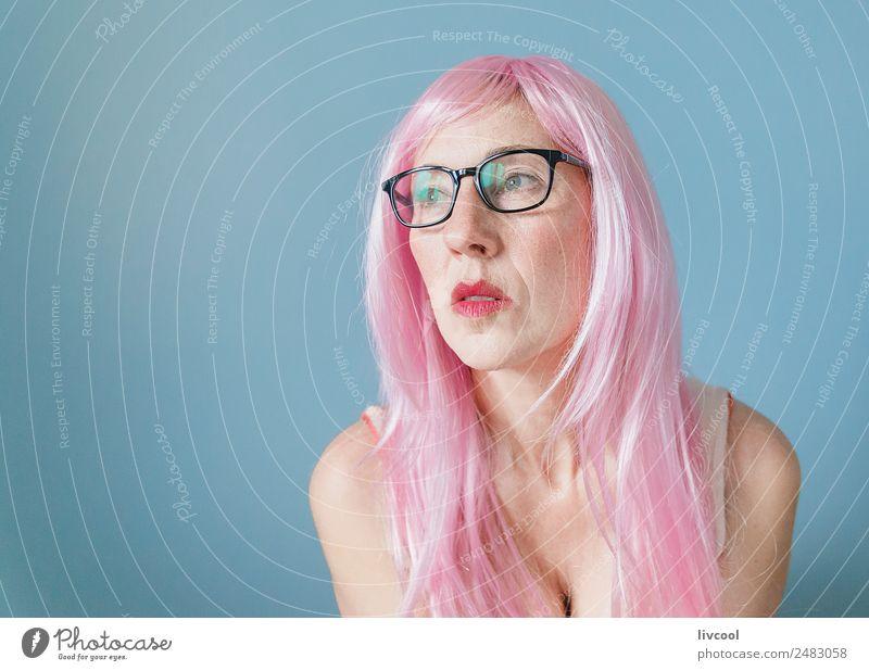 Frau Mensch blau schön Erotik ruhig Gesicht Erwachsene Lifestyle lustig feminin Stil Glück Kunst Mode Haare & Frisuren