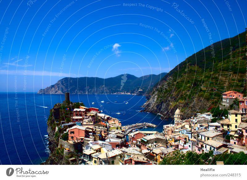 Vernazza I Himmel Ferien & Urlaub & Reisen Meer Wolken Haus Erholung Berge u. Gebirge Landschaft Küste Wellen wandern Tourismus tauchen Dorf Italien Segeln
