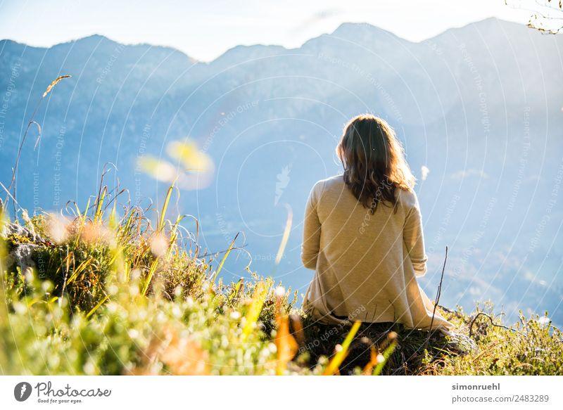 Sonniges Österreich 1 Mensch 18-30 Jahre Jugendliche Erwachsene Landschaft Sonne Sonnenlicht Sommer Herbst Schönes Wetter Alpen Europa träumen schön gelb gold