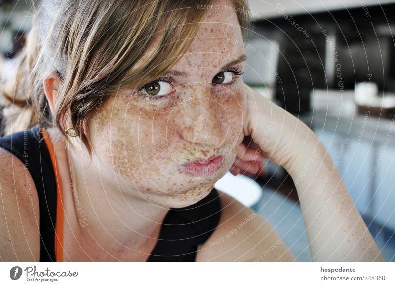 Blubb, blubb kleiner Fisch °°° schön lernen feminin Junge Frau Jugendliche Gesicht Auge Wange Sommersprossen atmen Denken Blick warten einzigartig lustig