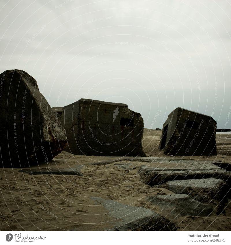 DÄNEMARK - XXXIV Umwelt Natur Landschaft Sand Himmel Wolken Horizont schlechtes Wetter Küste Menschenleer Ruine Bauwerk Gebäude Mauer Wand Fassade Fenster Tür