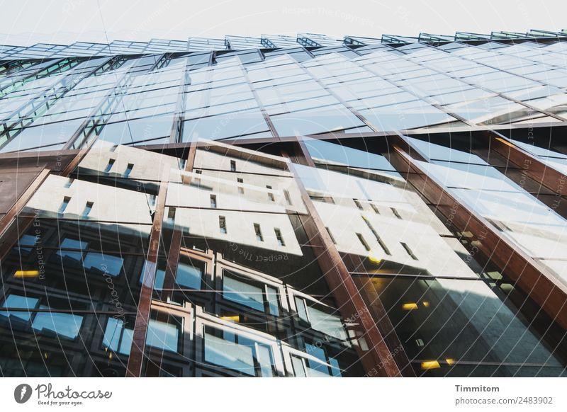 Fassaden Niederlande Stadt Hochhaus Architektur Holz Glas Metall ästhetisch blau braun gelb Fenster Doppelbelichtung Farbfoto Außenaufnahme Menschenleer Tag