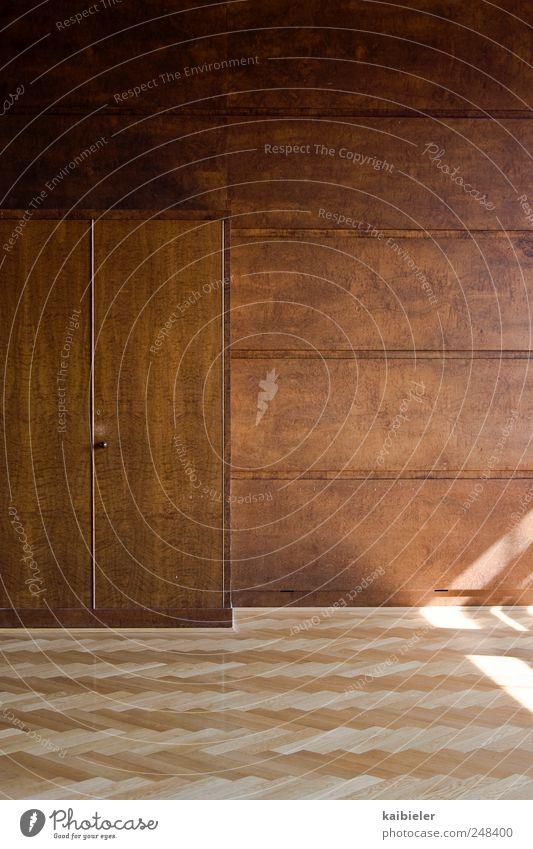 Wandschrank Wohnung einrichten Innenarchitektur Möbel Raum Schrank Parkett Fischgrätenmuster Bodenbelag Holzwand Büro Gebäude Mauer ästhetisch eckig historisch