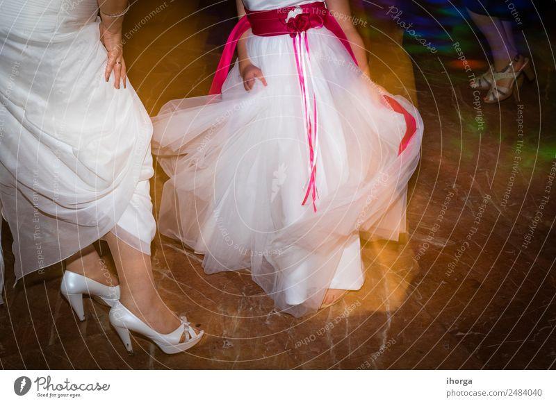 Hochzeitsschuhe Braut für den Hochzeitstag Reichtum elegant Stil schön Feste & Feiern Frau Erwachsene Fuß Mode Kleid Schuhe Liebe Fröhlichkeit weiß Romantik