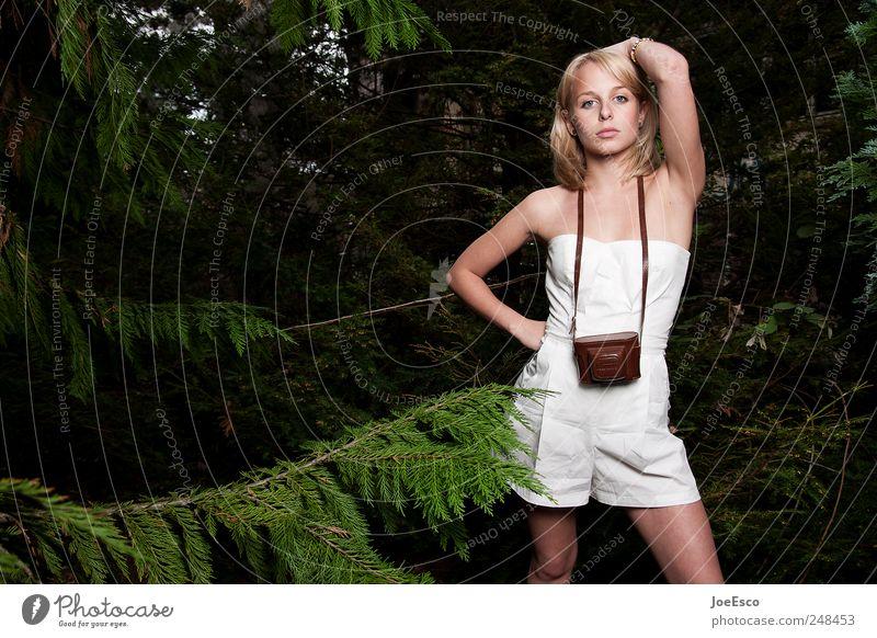 #248453 Frau Natur schön Baum Wald Erholung dunkel Leben Erwachsene träumen Zufriedenheit blond Ausflug Mode ästhetisch