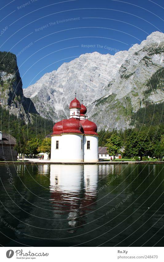 Schifffahrt nach St. Bartholomä Himmel Natur Wasser Baum Sommer Berge u. Gebirge Landschaft See Ausflug wandern Tourismus Schwimmen & Baden Kirche fahren Alpen