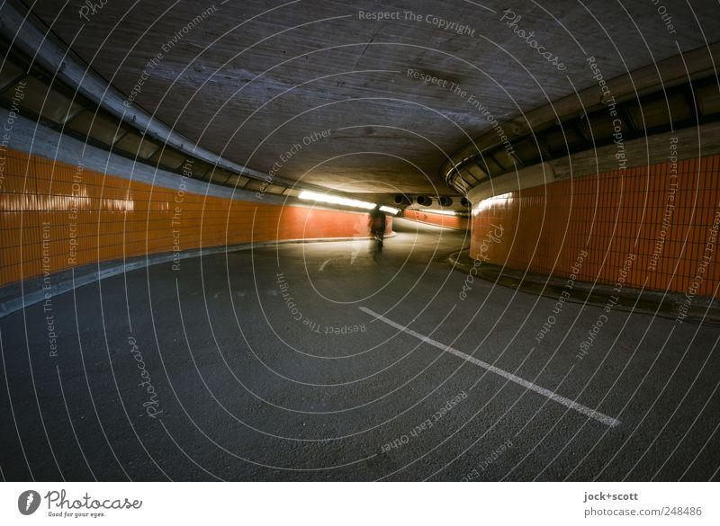 Tunnelblick (darauf fahr ich ab) Mensch Einsamkeit Ferne dunkel Straße Architektur Beleuchtung Wege & Pfade außergewöhnlich Linie leuchten modern Verkehr