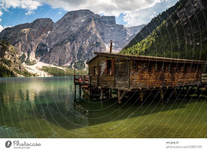 Hüttenzauber Ferien & Urlaub & Reisen Sommer Sommerurlaub Berge u. Gebirge Natur Landschaft Schönes Wetter Alpen Dolomiten Gipfel See Pragser Wildsee Italien