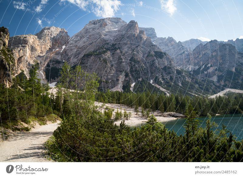 Natur pur Ferien & Urlaub & Reisen Sommerurlaub Berge u. Gebirge wandern Landschaft Himmel Sonnenlicht Schönes Wetter Wald Alpen Dolomiten Gipfel Seeufer