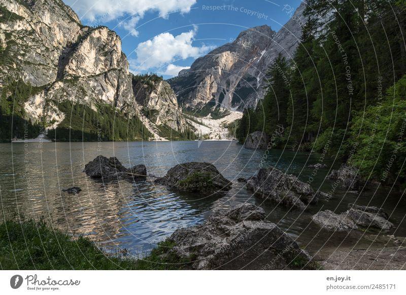 Inselhopping Ferien & Urlaub & Reisen Ausflug Sommer Sommerurlaub Berge u. Gebirge Natur Landschaft Himmel Wald Felsen Alpen Dolomiten Seeufer Pragser Wildsee