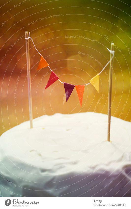 rainbow cake I Geburtstag Fahne Kitsch Kuchen Süßwaren Torte Dessert Sahne Geburtstagstorte Girlande Kindergeburtstag regenbogenfarben Sahnetorte