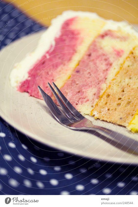 rainbow cake II Kuchen Dessert Süßwaren Teller Gabel lecker Torte Geburtstagstorte Kindergeburtstag regenbogenfarben Farbfoto mehrfarbig Innenaufnahme Muster