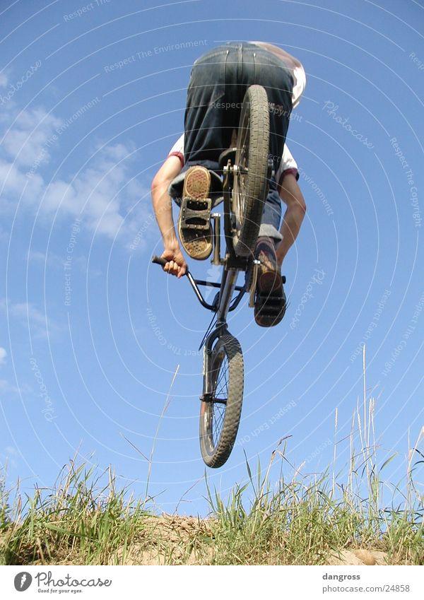 Luftsprung Motorradfahrer Jugendliche Extremsport Dirtbiking Sport Fahhrrad Fahrradfahren