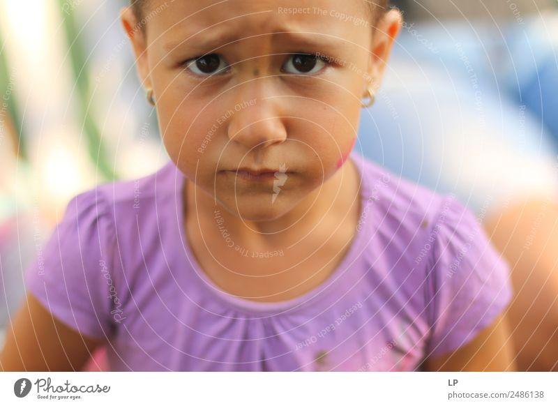 Kind Mensch Erwachsene Lifestyle Leben feminin Familie & Verwandtschaft Angst Kindheit gefährlich Zukunftsangst Bildung Wut Schmerz Konzentration Stress