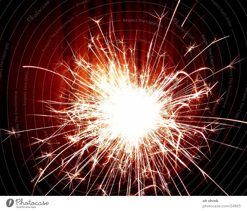 Wunderbare Explosion hell Stern (Symbol) Feuerwerk Funken Wunderkerze Fototechnik