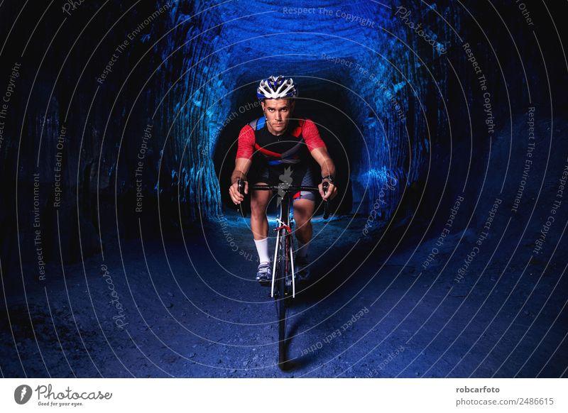 Mensch Mann Sommer grün weiß Ferne Straße Erwachsene Sport Bewegung Fahrradfahren Fitness Geschwindigkeit Rennsport Konkurrenz Typ