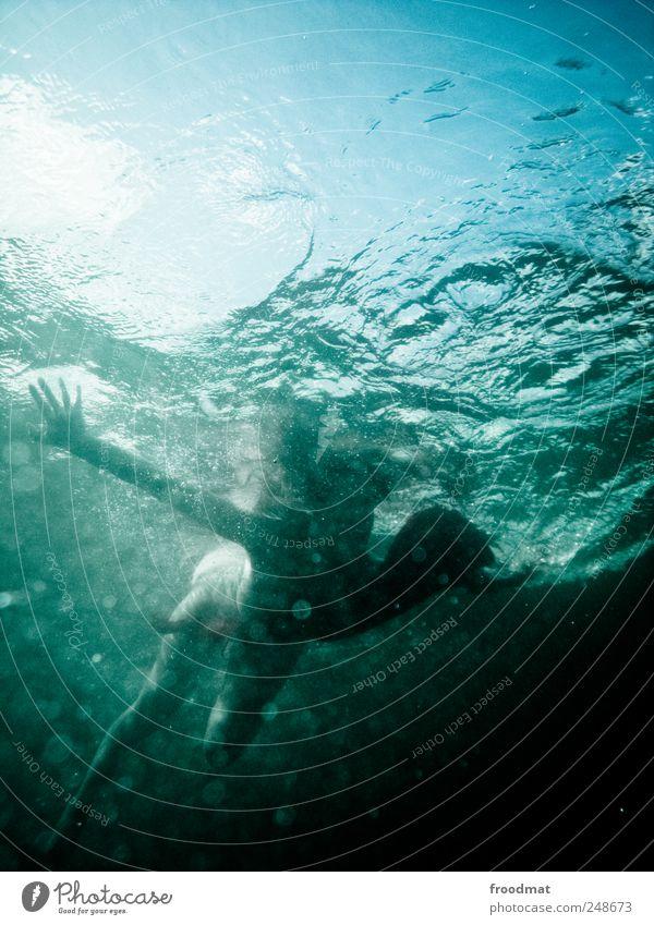 aquaplanning Mensch blau Wasser schön Ferien & Urlaub & Reisen Sommer Meer kalt Gefühle Freiheit träumen Wellen Freizeit & Hobby Romantik Kitsch Idylle