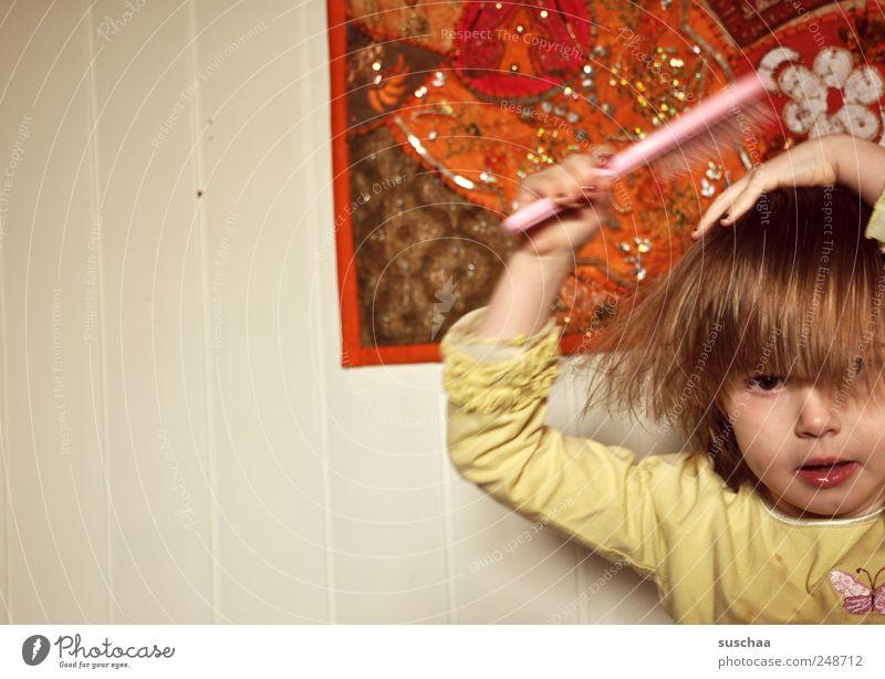 bad hair days .. Kind Kleinkind Mädchen Kindheit Kopf Haare & Frisuren Gesicht 3-8 Jahre Wandteppich Haarpflege Farbfoto mehrfarbig Innenaufnahme