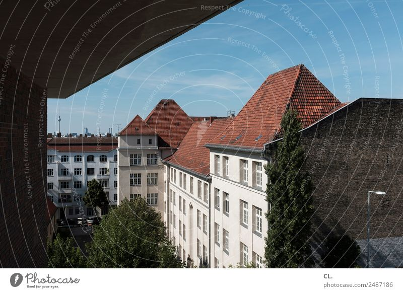 berlin-neukölln Ferien & Urlaub & Reisen Tourismus Städtereise Himmel Wolkenloser Himmel Schönes Wetter Baum Berlin Hauptstadt Haus Hochhaus Platz Bauwerk
