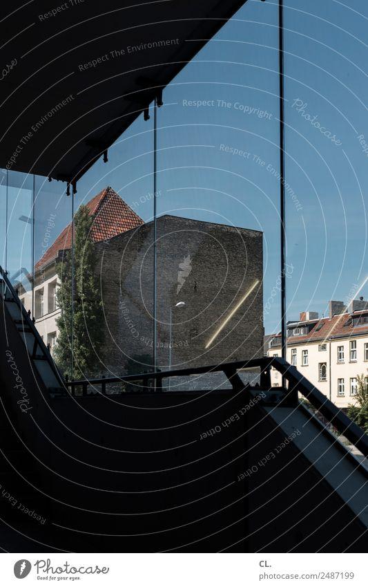 berlin-neukölln Ferien & Urlaub & Reisen Haus Fenster Architektur Wand Berlin Gebäude Tourismus Mauer Häusliches Leben Treppe Aussicht Perspektive
