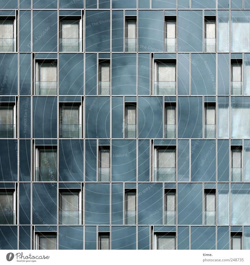 Air Conditions Haus Himmel Wolken Stadt Hafenstadt Hochhaus Gebäude Architektur Fassade Fenster Glas eckig hoch modern seriös stark blau grau schwarz Kraft
