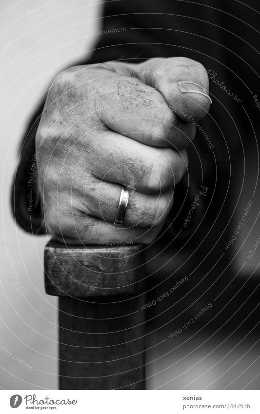 Jetzt reicht's! maskulin Hand Finger Faust Aggression bedrohlich rebellisch Wut Enttäuschung Ärger Verbitterung trotzig Gewalt Gefühle Konflikt & Streit Ring